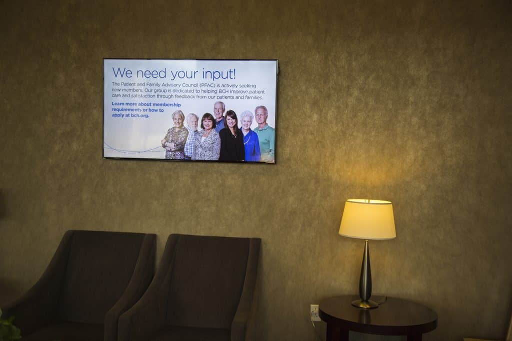healthcare-digital-signage-in-clinic
